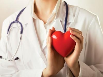 Prevención de la formación de trombos en el ventrículo izquierdo y embolismo sistémico después de infarto de miocardio anterior