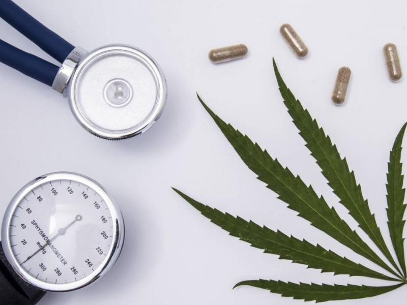 Marihuana medicinal en personas mayores: Más riesgos que beneficios